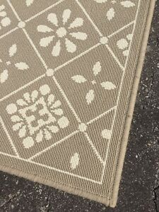 IKEA beige and white patterned rug