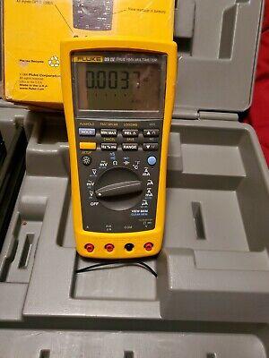 Fluke 89-4 89 Iv True Rms Multimeter With Fluke C 100 Hard Case