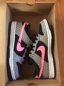 Nike Dunk Low Shoes Size 8 Upper Mount Gravatt Brisbane South East Preview