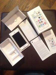 Brand new iPhone 5S (with Rogers)