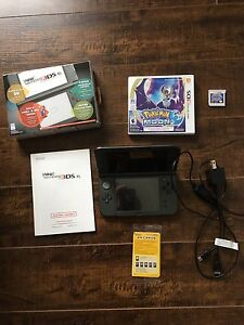 Nintendo 3DS xl and Pokemon Moon Game