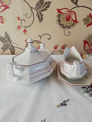 Johnson Brothers Madison Tureen And Gravy Boat With Stand