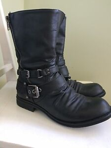 Size 10-11 black boots