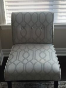Amazing Armless Accent Chair!