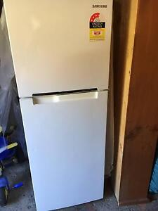 FRIDGE FREEZER Samsung 254 Litre Excellent condition Hardly Used Lane Cove Lane Cove Area Preview