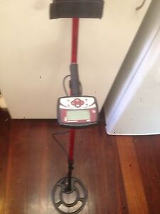 Minelab X-TERRA 305 metal detector Manning South Perth Area Preview
