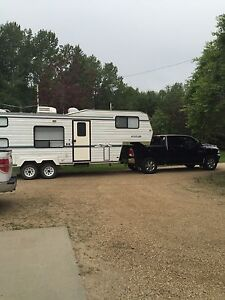 1997 5th wheel travelaire Rustler 25.5ft with bunks