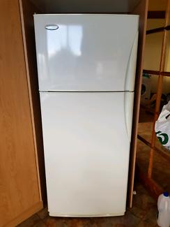 westinghouse 420L fridge/freezer