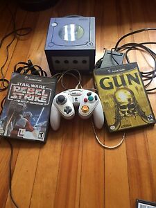 GameCube, 1 controller and 2 games
