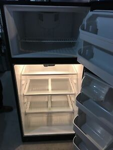 fridgidaire refridgerator, excellent condition
