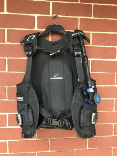 USED Oceanic Pro Quick-Release BCD (Medium) w/AIR XS 2