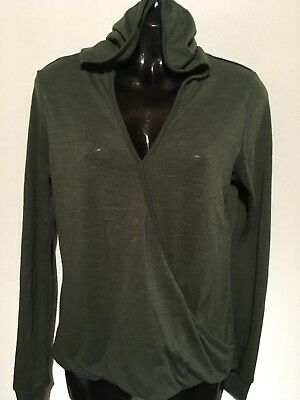 Made For Me To Look Amazing long sleeve fleece v neck hooded sweater size M - Fleece V-neck Sweater