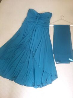 Size 16 formal dress and shawl.  Figtree Wollongong Area Preview