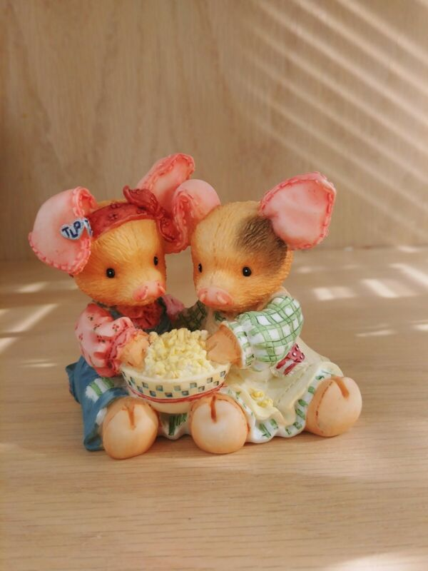 """This Little Piggy Figurine """"Never A Boar With You"""" Enesco 1994"""