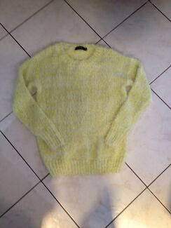 Knitwear fluffy and soft size small Hahndorf Mount Barker Area Preview