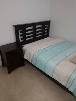 FULL BEDROOM Incl. 2 bedsides, bed, mattress & dressing table