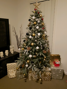 195cm Christmas tree with snow effect Macquarie Links Campbelltown Area Preview