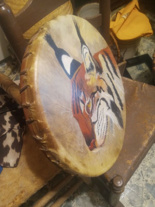 **AWESOME LARGE VINTAGE NATIVE AMERICAN  PNW RAWHIDE POW WOW HAND DRUM  NICE! **