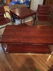 Coffee table  side table and chairs chaises cuir living room
