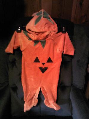 0-3 Month Newborn Halloween Costumes (Pumpkin Hooded Sleep & Play costume Newborn & 0-3)