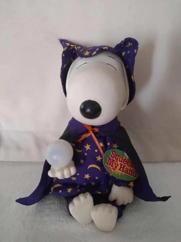 Peanuts Halloween DANCING  Animated Musical Snoopy Wizard Doll Figure