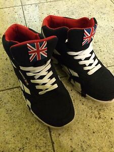 Cool fashion sneakers size US 8