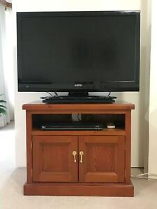 WOODEN TV STAND (Old English stain) EXC COND.