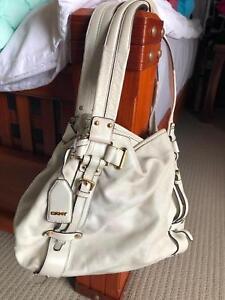 Dkny Used White Leather Handbag