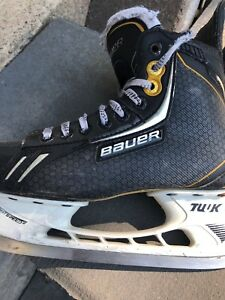 Bauer one.8 boys skates size 4.5