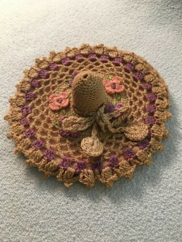 Crocheted Ladies Hat Thimble Holder & Needle Pads Wooden Thimble incl. VINTAGE
