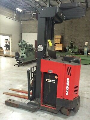 Raymond Reach Truck 4000lb 330 Lift W Batterycharger 42 Forks 146 Tall
