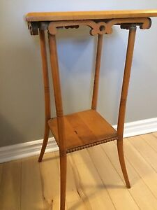 Antique Plant Stand / End Table / Side Table