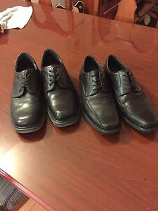 Mens dress shoes size seven, only worn once.