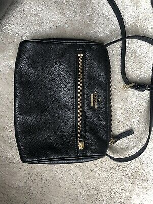 kate spade bag used Black In Good Condition.