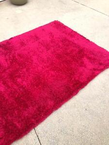red floor rug 210cm x 150cm Aldinga Morphett Vale Area Preview