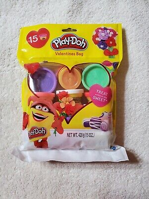 Play Doh Party Favors (Play-Doh Valentine Assorted 15 Piece Party Favor Bag)