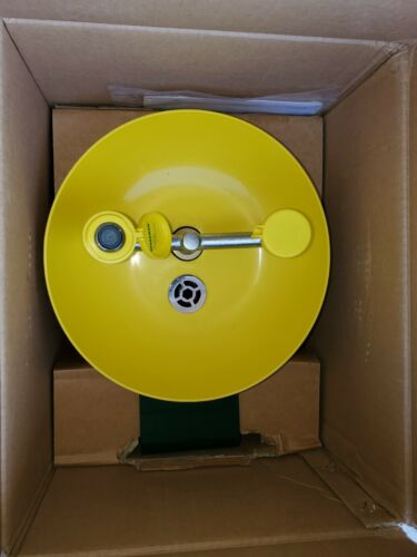 Speakman Yellow SE-580 Traditional Series Wall-Mounted Emergency Eyewash