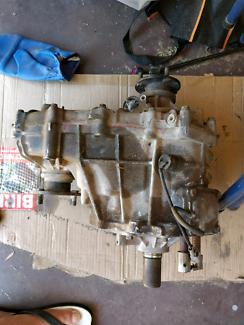 Toyota Hilux Transfer Case KNZ165R (2001)