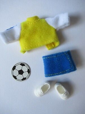 Kelly soccer outfit blue & yellow tennis shoes cardboard cutout soccer ball - Cardboard Soccer Ball