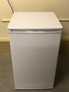 Westinghouse 100ltr bar fridge WHITE