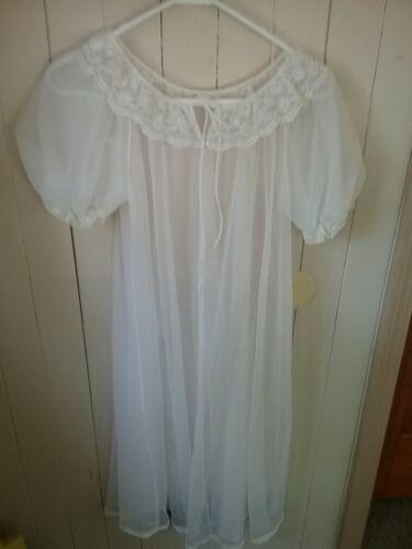 Vintage Sheer White Lisette Robe Size Small  - $17.00