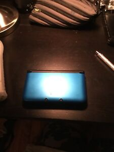 3DS blue great condition with games.