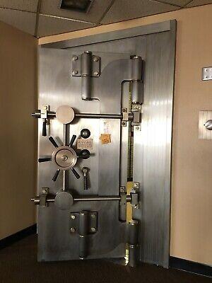 Bank Vault Door Bank Vault Gun Safe Safe Room Made By Mosler Safe Company