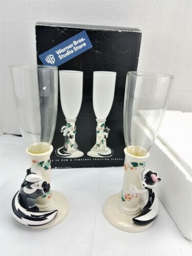 WARNER BROTHERS STUDIO STORE PEPE LE PEW & PENELOPE CHAMPAGNE TOASTING FLUTES