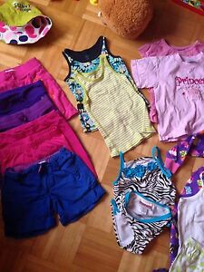 Lot (A)vêtements fille 4-5 ans à 2$