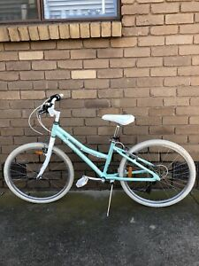 "XDS GIRLS BICYCLE, 7 SPEED , 24""INCH WHEELS.!!"