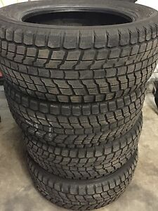 275 55 20 Yokohama Geolander I/T Winter snow tires *ALMOST NEW