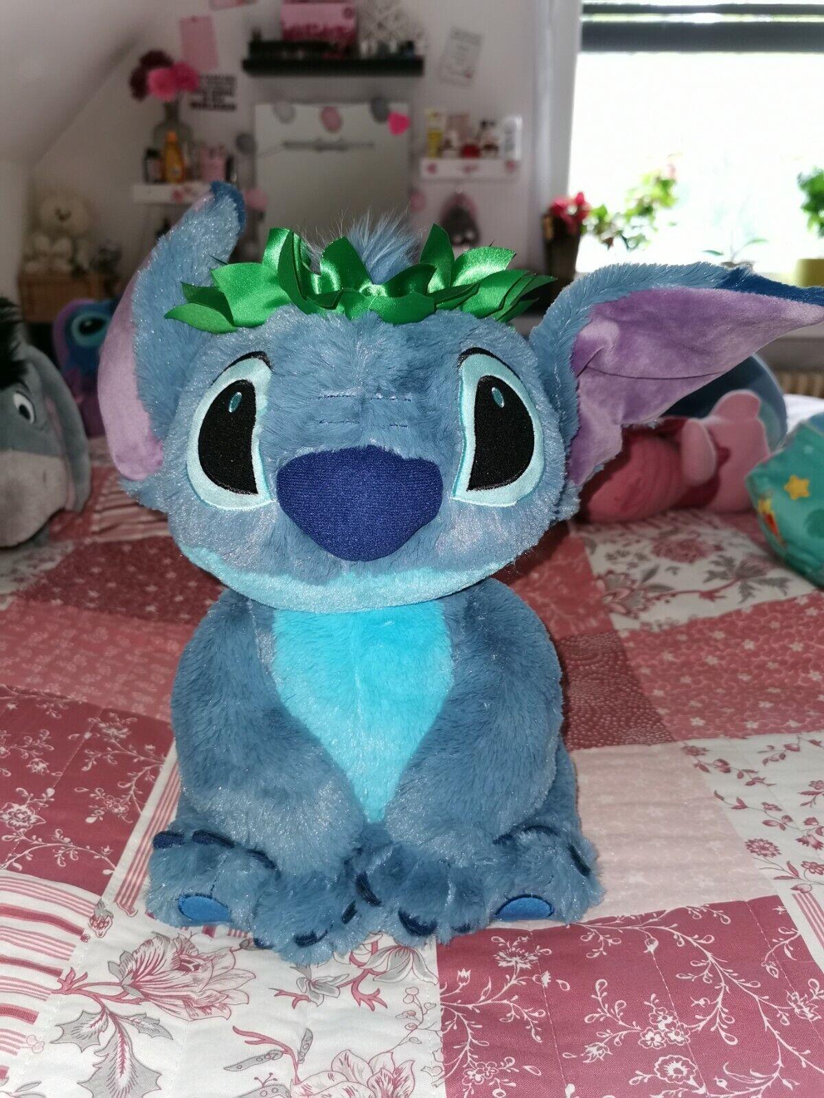 Disney Stitch mit Krone Plüschfigur sitzend