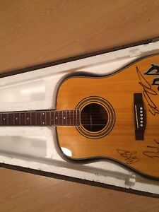 Autographed Guitard