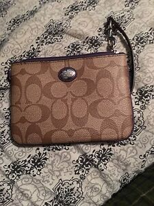 Perfect condition wristlet London Ontario image 1